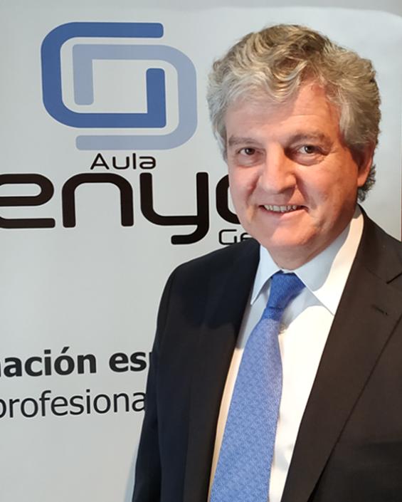 Dr. Javier Sanz González
